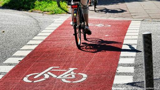 تکمیل و بهره برداری از مسیر ویژه دوچرخه بلوار نماز در بهار ۱۴۰۰