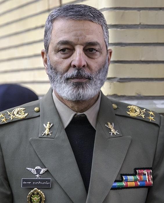 فرمانده کل ارتش از یگانهای نظامی در مرز دوغارون بازدید کرد