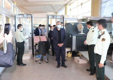 بازدید معاون استاندار از راه آهن، فرودگاه و پایانه مسافربری مشهد/با همت همگانی زنجیره شیوع و انتقال کرونا در مشهد را قطع خواهیم کرد